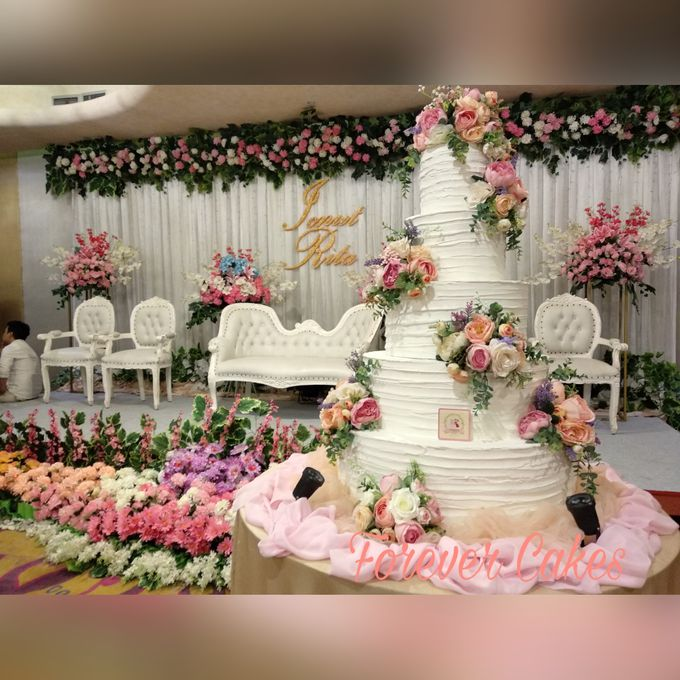 3-5 Tiers Wedding Cake With 70cm Round Base by FOREVER CAKE - 004