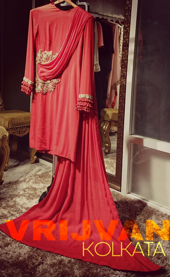 Indian Bridal Wear - LEHENGA / FLOOR GOWN by Vrijvan - 003