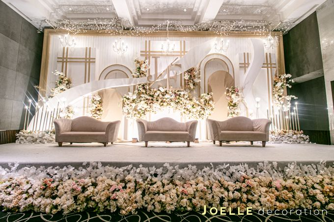The present moment is filled with joy and happiness by Joelle Decoration - 001