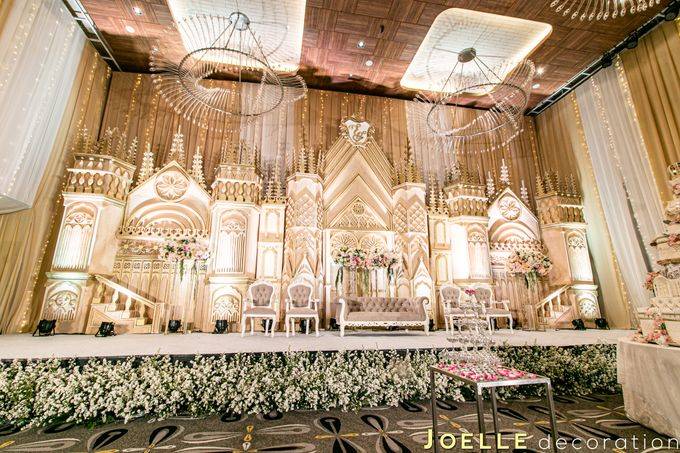 the only thing we never give enough of is love by Joelle Decoration - 002