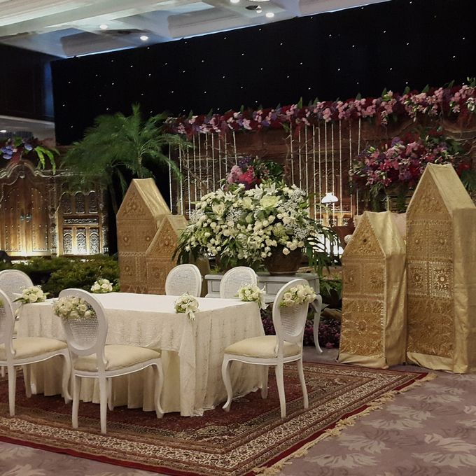 Weddings at Our Royal Ballroom by Royal Kuningan Jakarta - 009