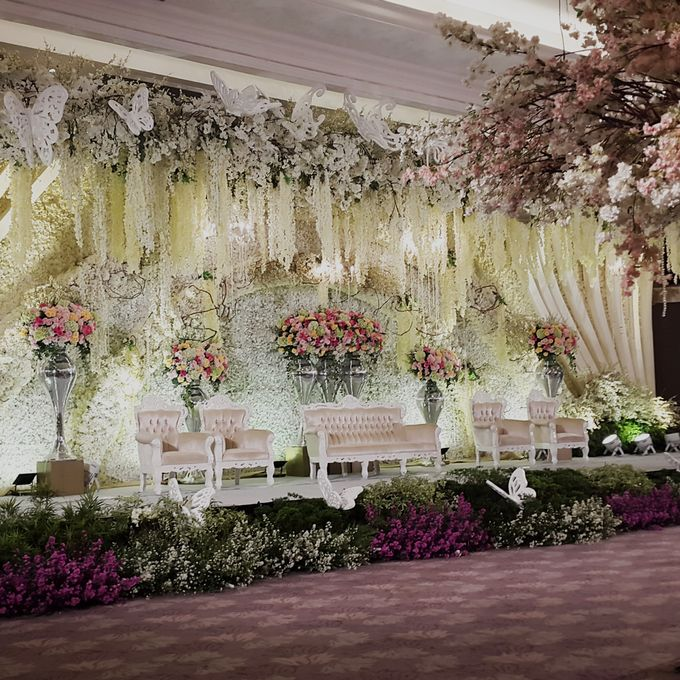 Weddings at Our Royal Ballroom by Royal Kuningan Jakarta - 014