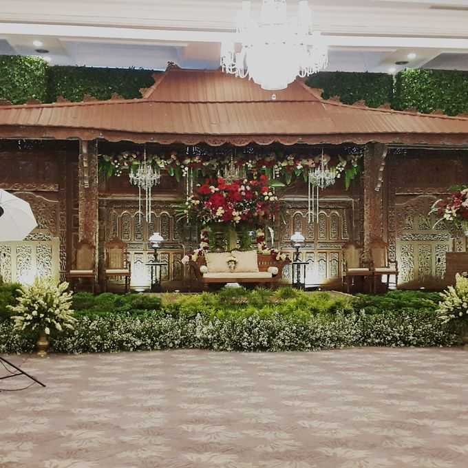 Weddings at Our Royal Ballroom by Royal Kuningan Jakarta - 003