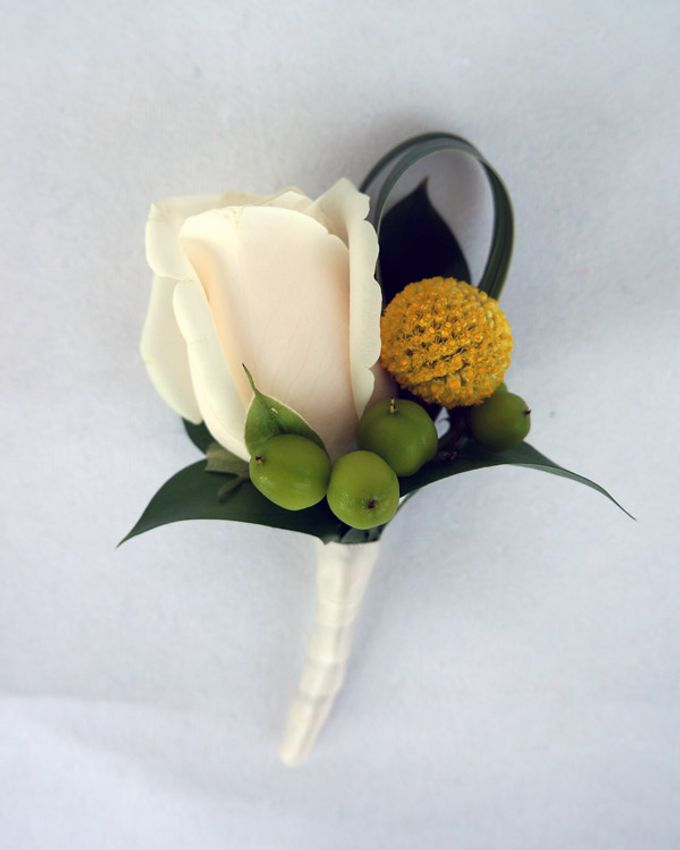 Boutonnieres & Corsages by The Olive 3 (S) Pte Ltd - 010