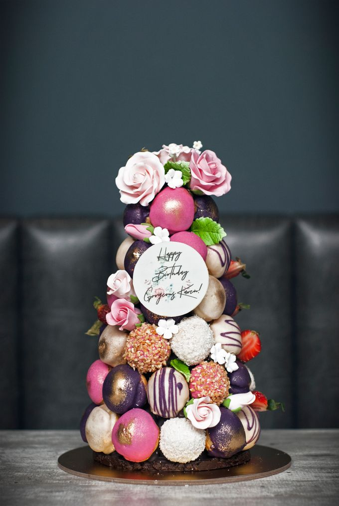 Wedding CROQUEMBOUCHE -Cream Puff Tower by Pulse Patisserie - 019