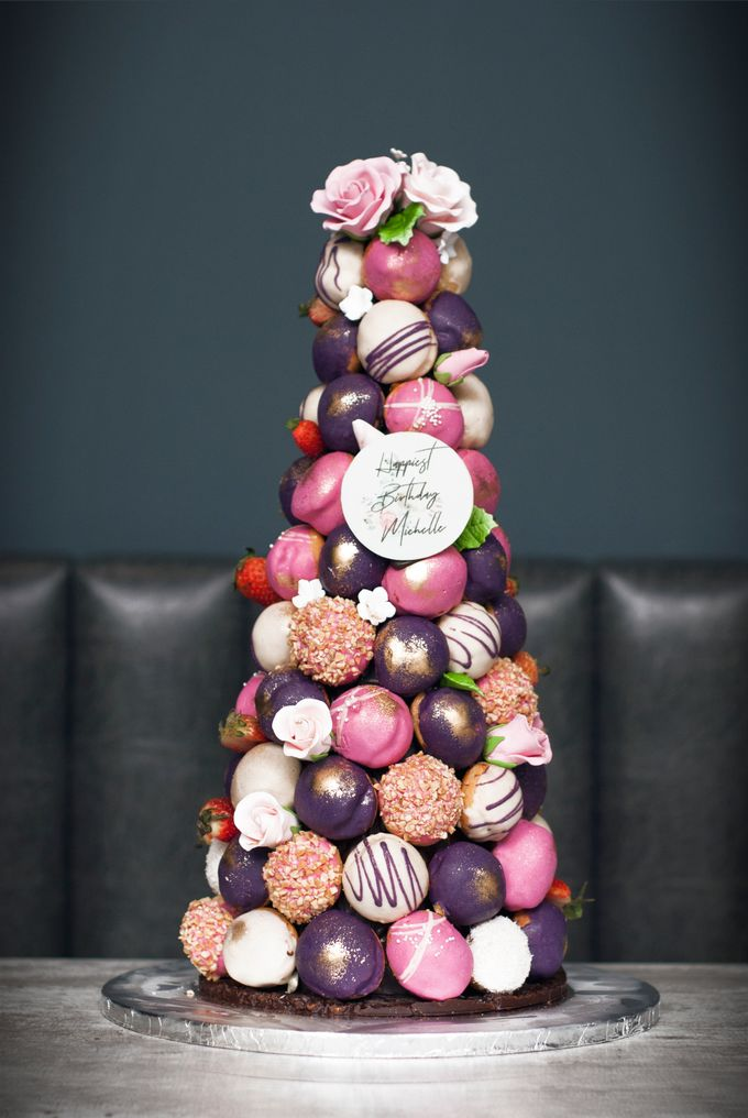 Wedding CROQUEMBOUCHE -Cream Puff Tower by Pulse Patisserie - 020