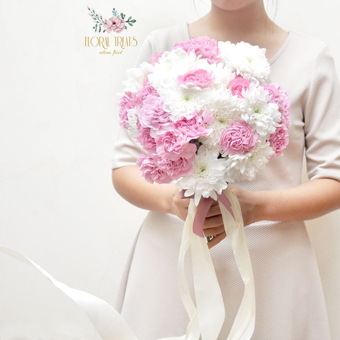 Pre-wedding Bouquets by Floral Treats - 001