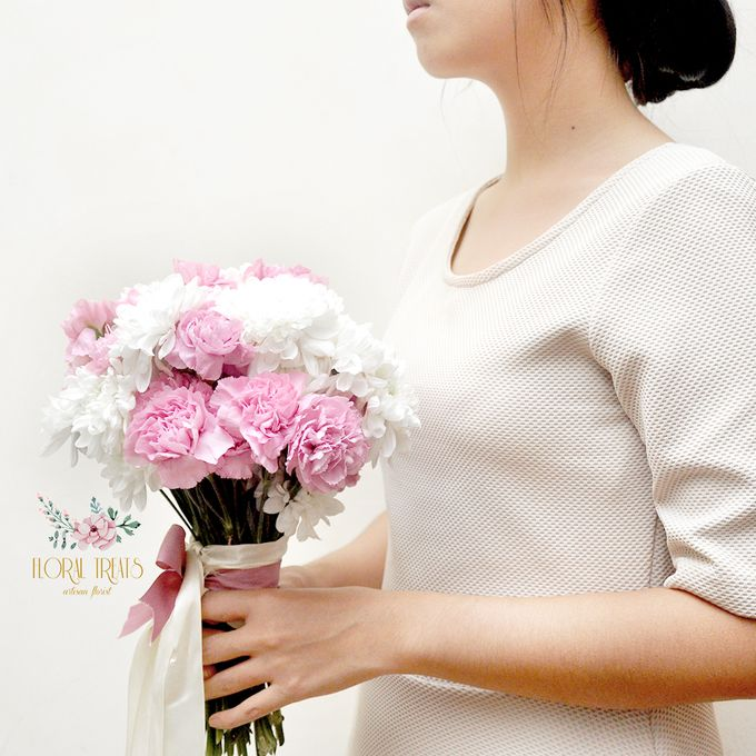 Pre-wedding Bouquets by Floral Treats - 003