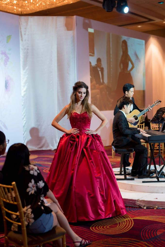 Bridal Gown Fashion Show At Mandarin Orchard Singapore by La Belle Couture Weddings Pte Ltd - 025