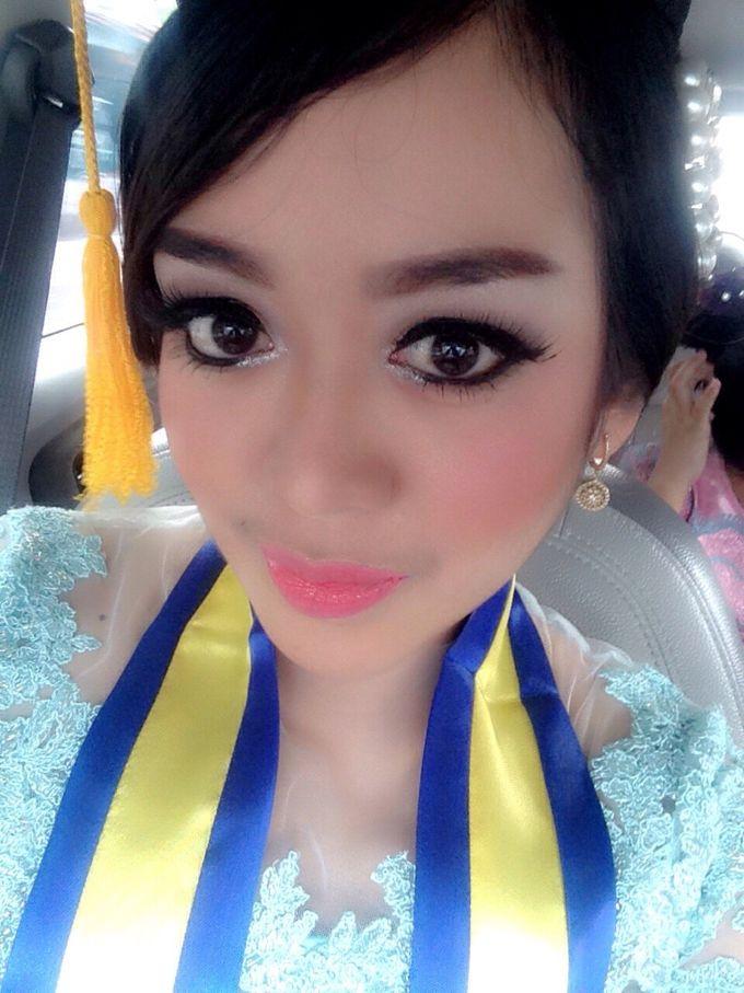 Make Up For Graduation by Maurine Stephanie MUA - 012