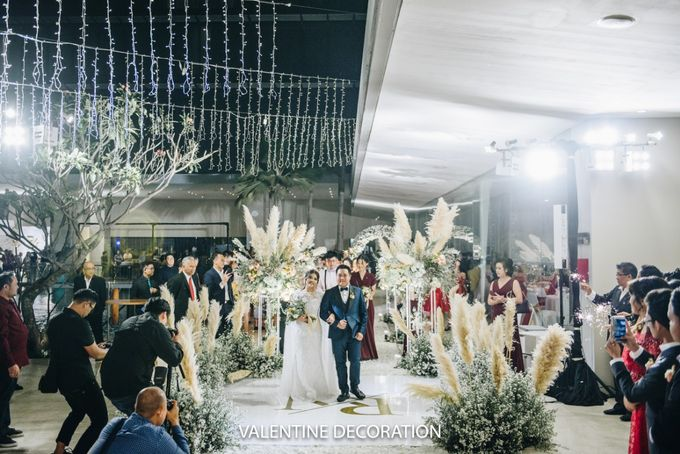 Rivaldy & Naomi Wedding Decoration by Bramanta Wijaya Sposa - 011