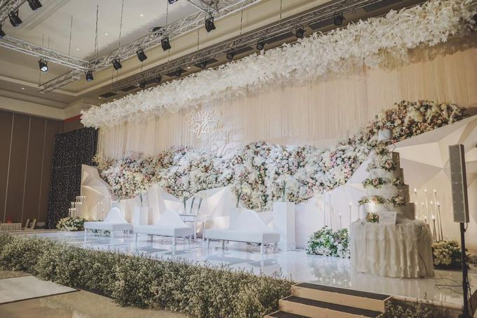Gerryn & Vania Wedding Decoration by Valentine Wedding Decoration - 004