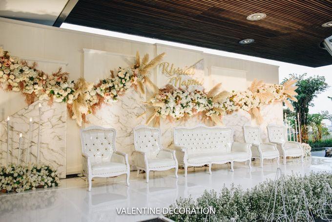 Rivaldy & Naomi Wedding Decoration by Bramanta Wijaya Sposa - 005