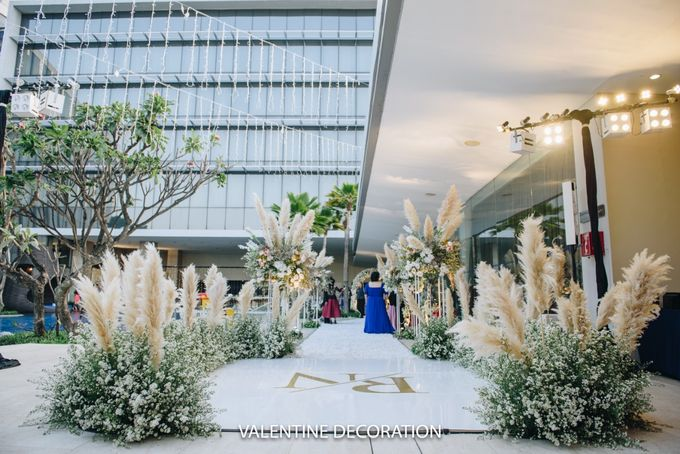 Rivaldy & Naomi Wedding Decoration by Bramanta Wijaya Sposa - 007