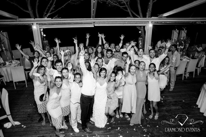 Romantic wedding in a vhapel by Diamond Events - 043