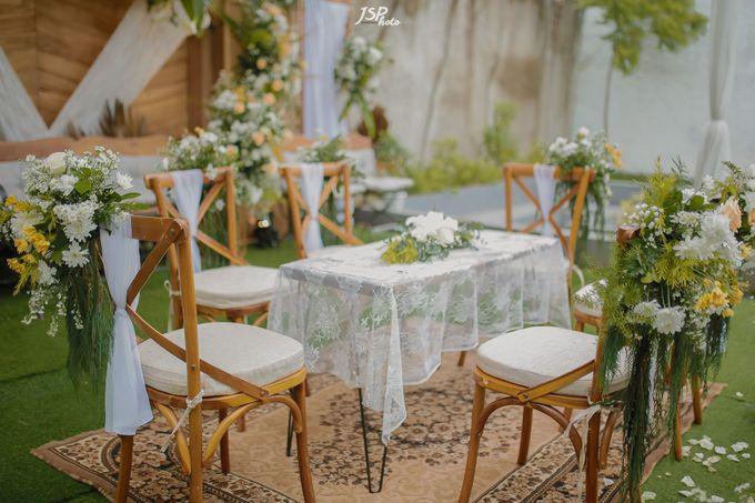 The Wedding of Dila & Imam di Villa Vii by Decor Everywhere - 020