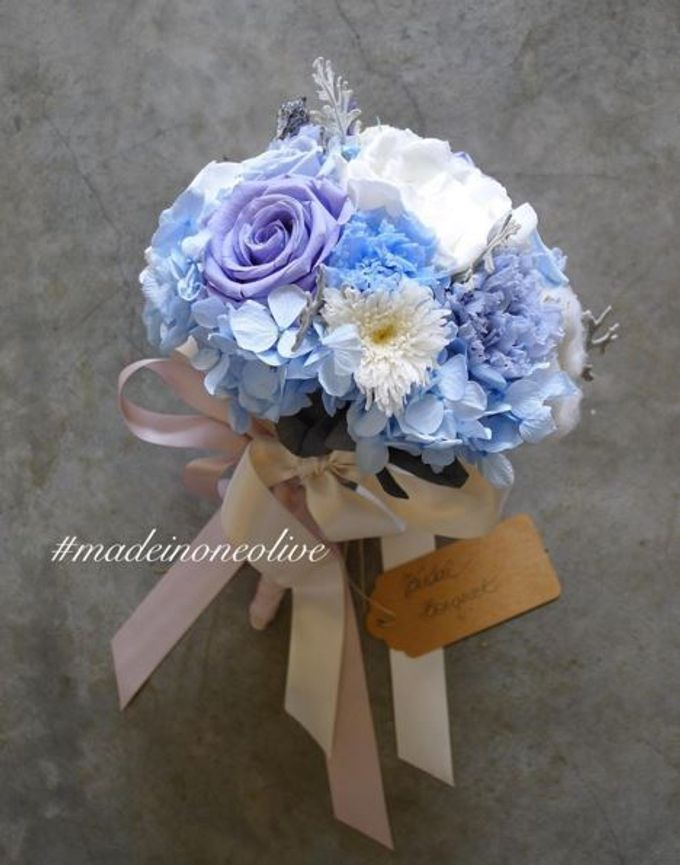 Preserved Bridal Bouquet by One Olive - 010