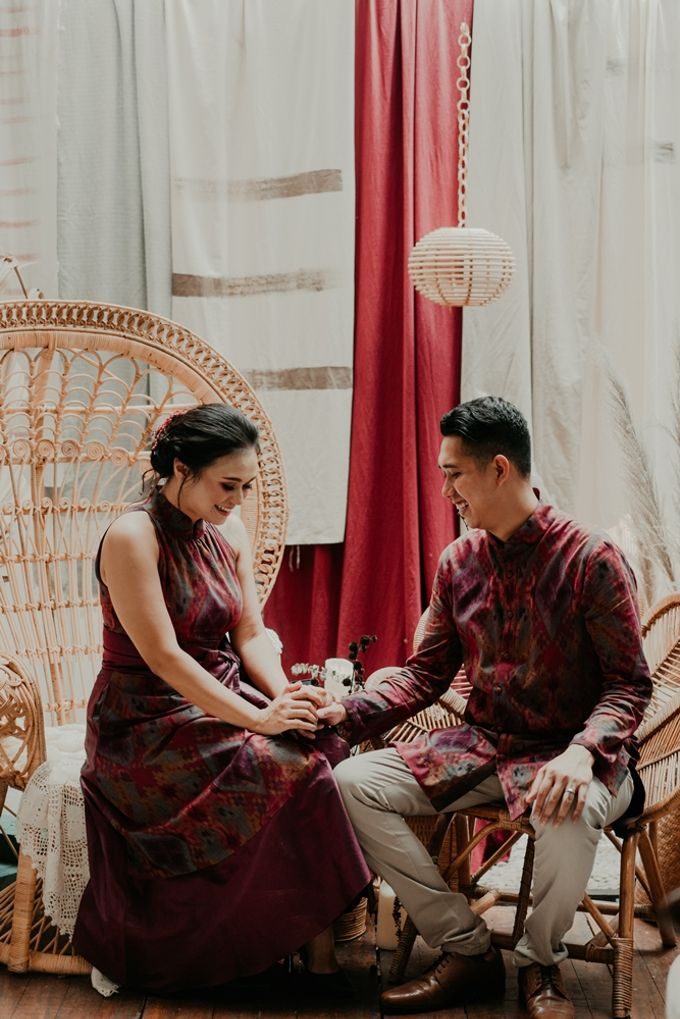 Arianti & David Engagement by SVARNA by IKAT Indonesia Didiet Maulana - 005