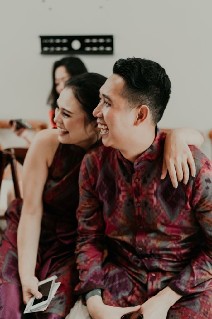 Arianti & David Engagement by SVARNA by IKAT Indonesia Didiet Maulana - 009