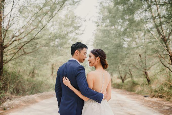 Prewedding Desmond & Joyce by Putri Bali Makeup - 031