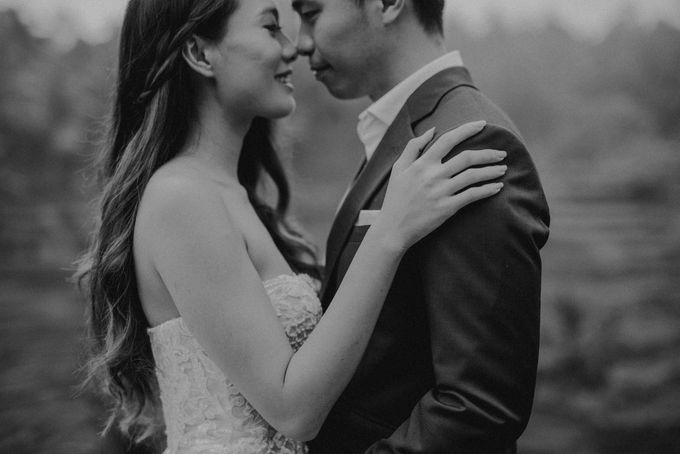 Prewedding Desmond & Joyce by Putri Bali Makeup - 006
