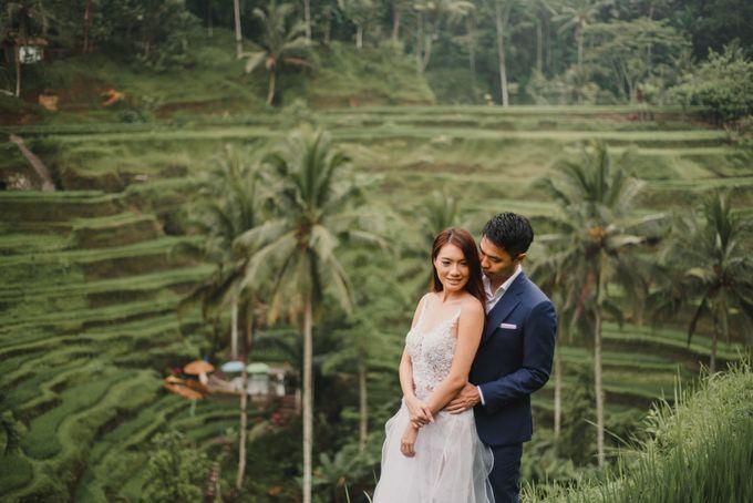 Prewedding Desmond & Joyce by Putri Bali Makeup - 010