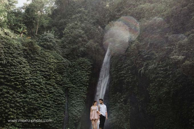 Romantic Bali by Maxtu Photography - 030