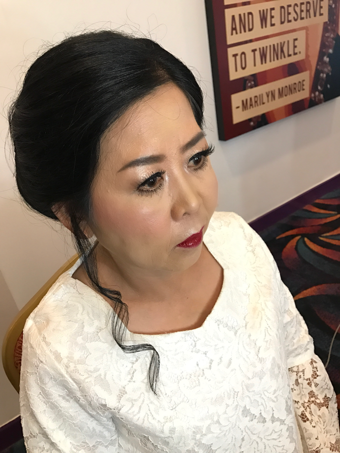 Mother of the Bride/Groom Makeup by Fame Hotel Gading Serpong - 005