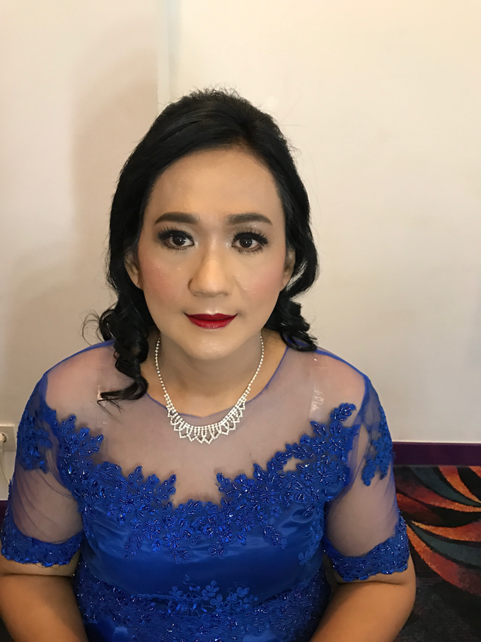 Mother of the Bride/Groom Makeup by Fame Hotel Gading Serpong - 007