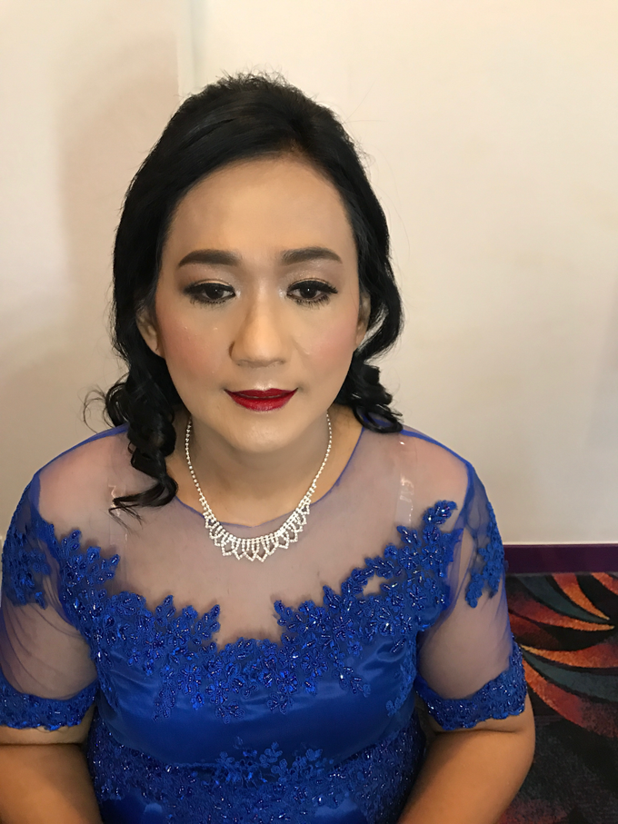 Mother of the Bride/Groom Makeup by Fame Hotel Gading Serpong - 009