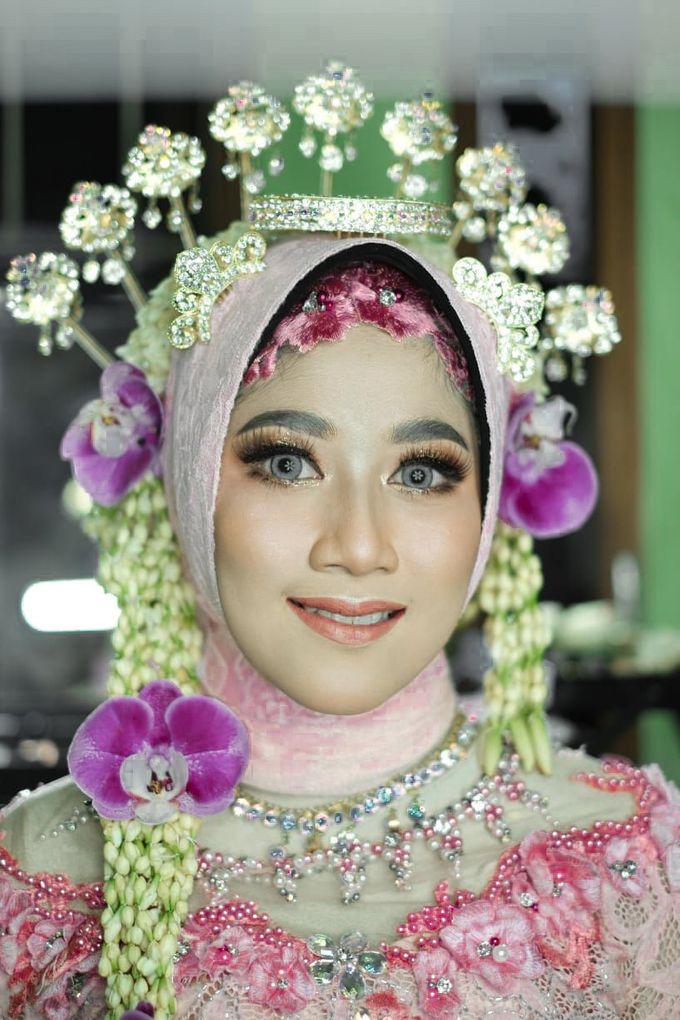 Solo Puteri Berhijab Tanpa Paes by iir bahari professional makeup and wedding - 001