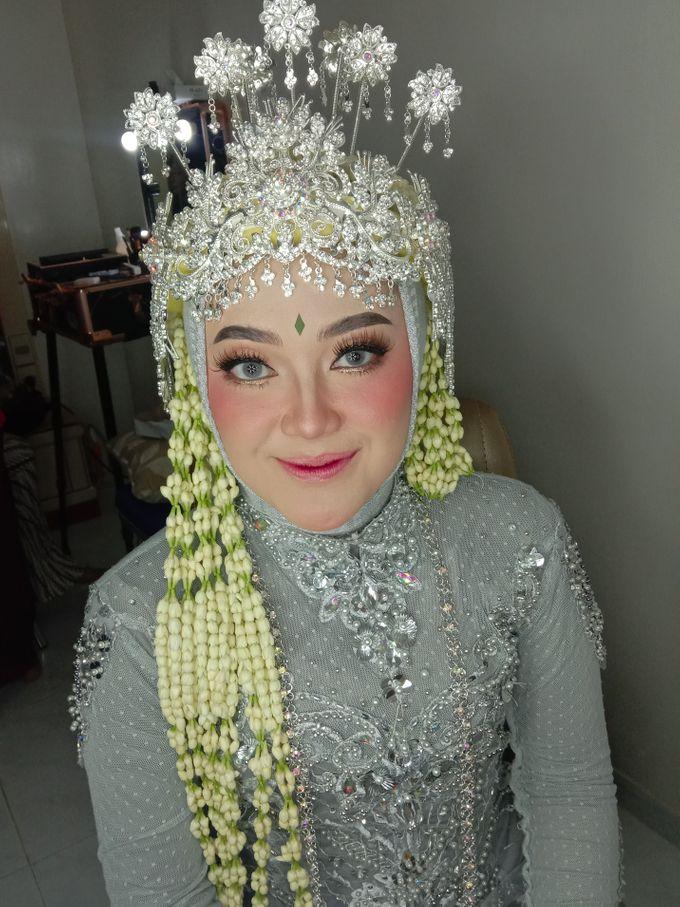 Siger Sunda Berhijab by iir bahari professional makeup and wedding - 002