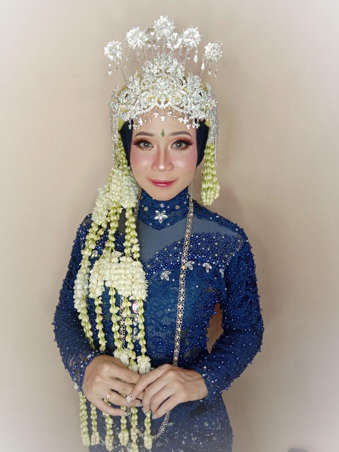 Siger Sunda Berhijab by iir bahari professional makeup and wedding - 001