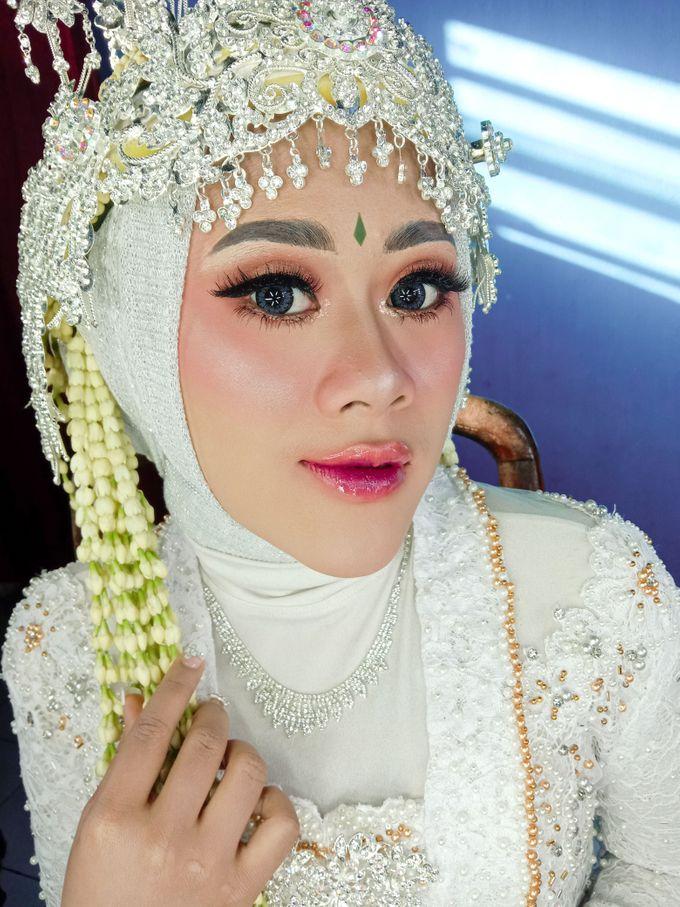 Siger Sunda Berhijab by iir bahari professional makeup and wedding - 005