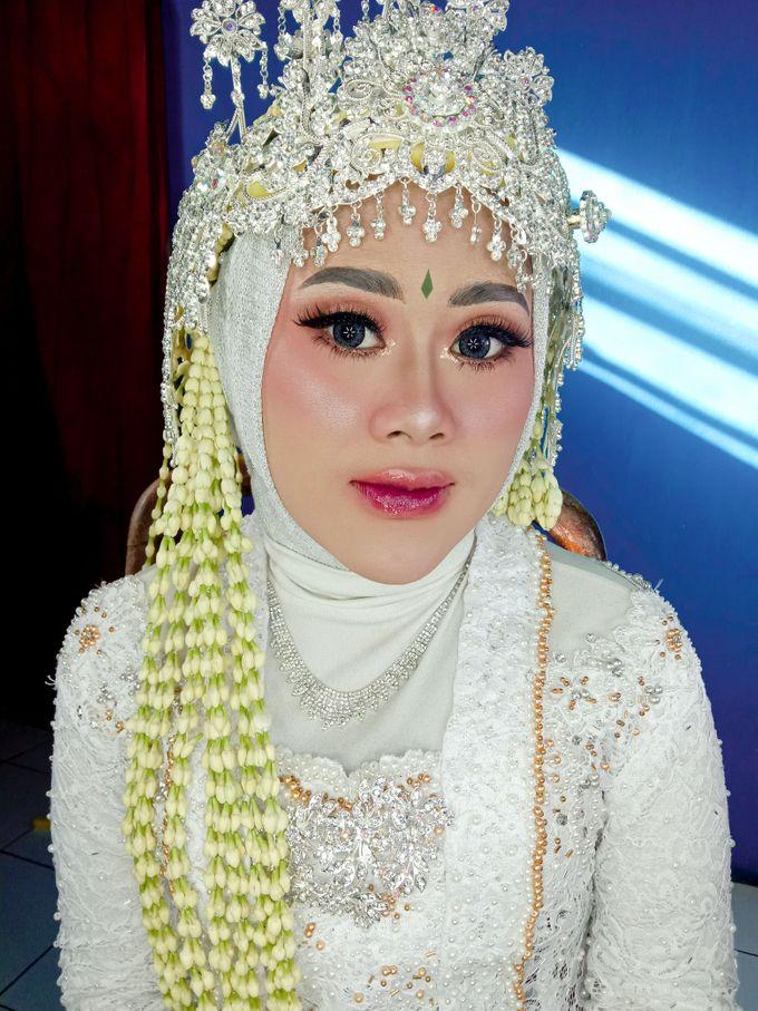 Siger Sunda Berhijab by iir bahari professional makeup and wedding - 006