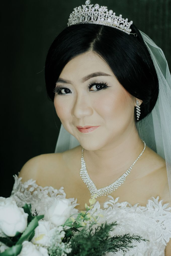 Bride In White For Yenni by Vintageopera Slashwedding - 005