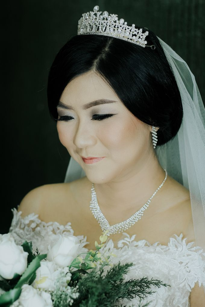 Bride In White For Yenni by Vintageopera Slashwedding - 004
