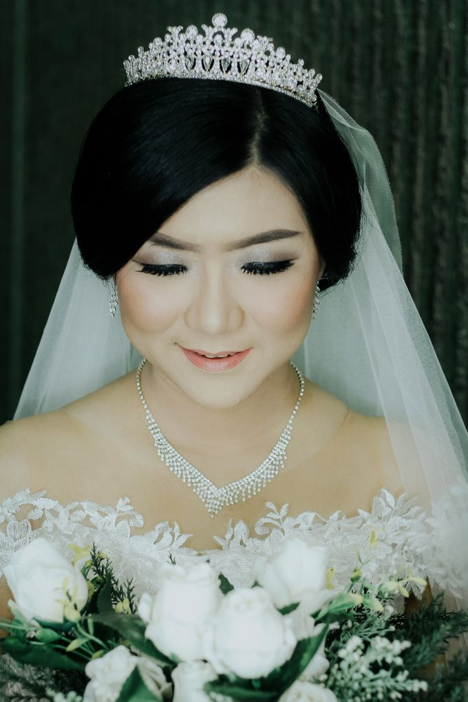 Bride In White For Yenni by Vintageopera Slashwedding - 002