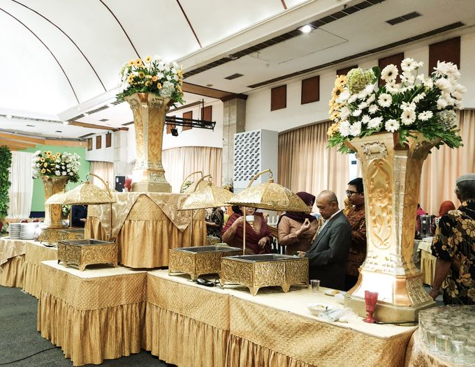 The Wedding Of Rezky & Rizal by Dirasari Catering - 015