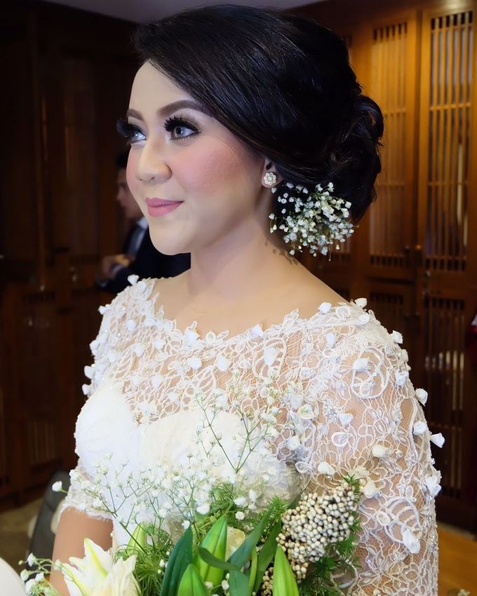 Hairdo For bride / Wedding by Makeup And Hairdo By iis - 007