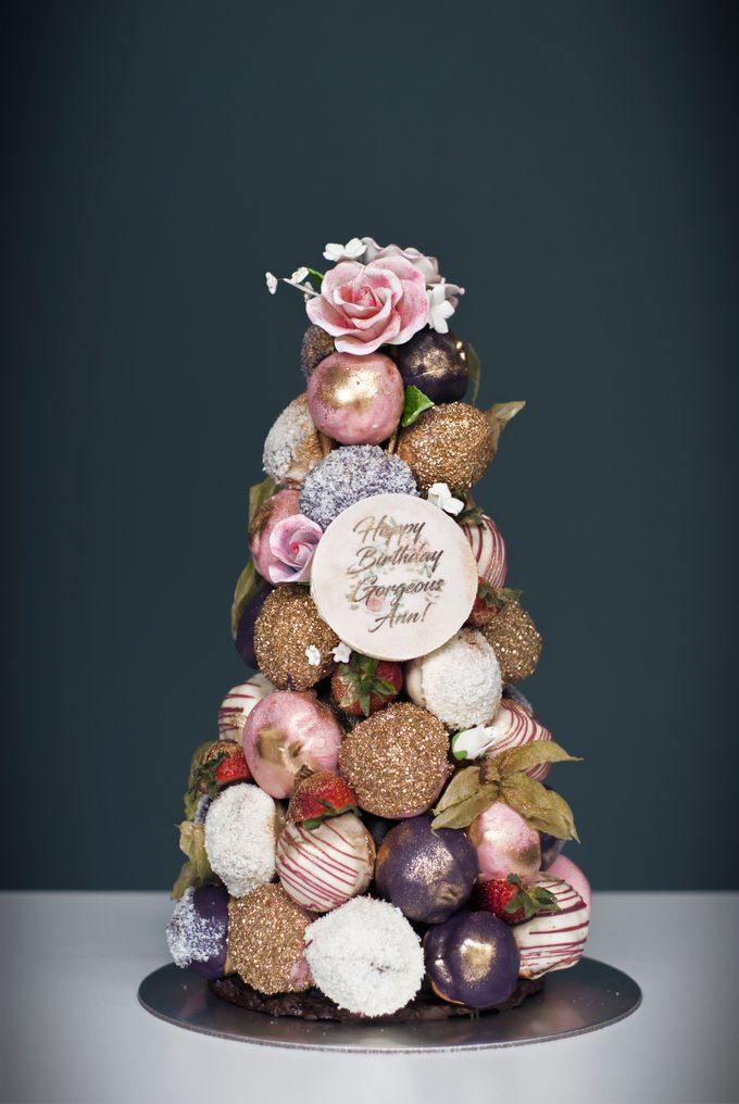Wedding CROQUEMBOUCHE -Cream Puff Tower by Pulse Patisserie - 023