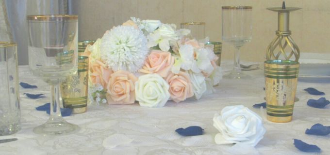 Create A Simple Centerpiece With A Small Budget by Kamy Wedding - 003