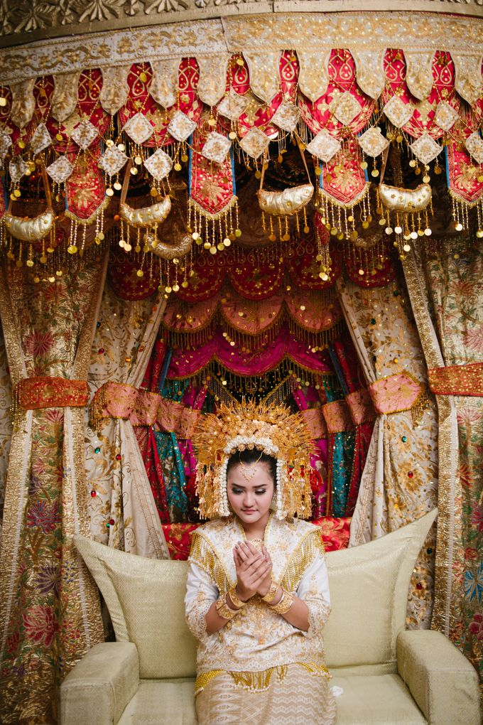 Mirna & Pras Wedding by Akuwedding - 007