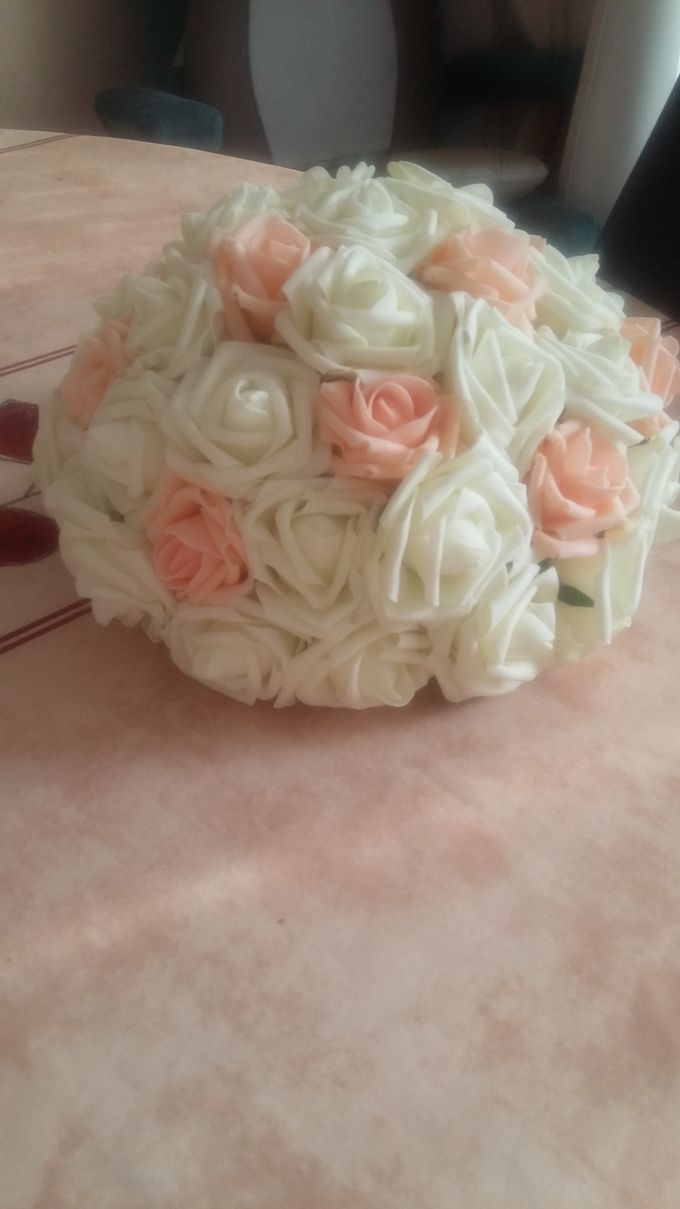Create A Simple Centerpiece With A Small Budget by Kamy Wedding - 006