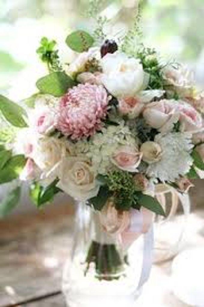 Bouquets, Corsages & Boutonnieres by Dorcas Floral - 012