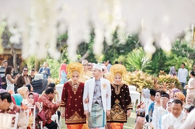 Indonesian Wedding In Bali E&K by Mariyasa - 016