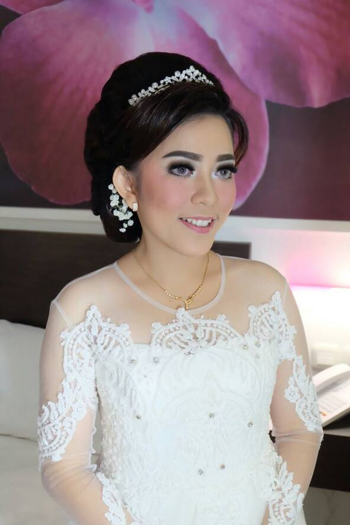 Hairdo Bride by Makeup And Hairdo By iis - 002