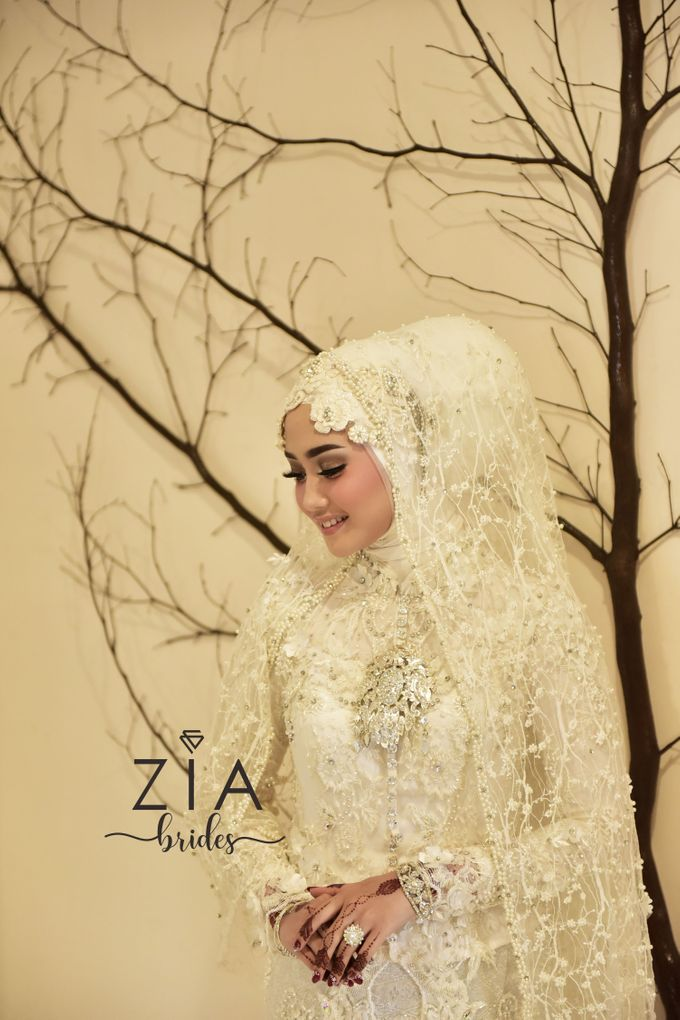 Ika & Iqbal Wedding by Zia Brides Make Up Artist & Kebaya - 002