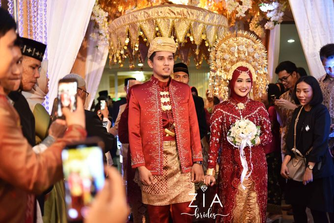 Ika & Iqbal Wedding by Zia Brides Make Up Artist & Kebaya - 006