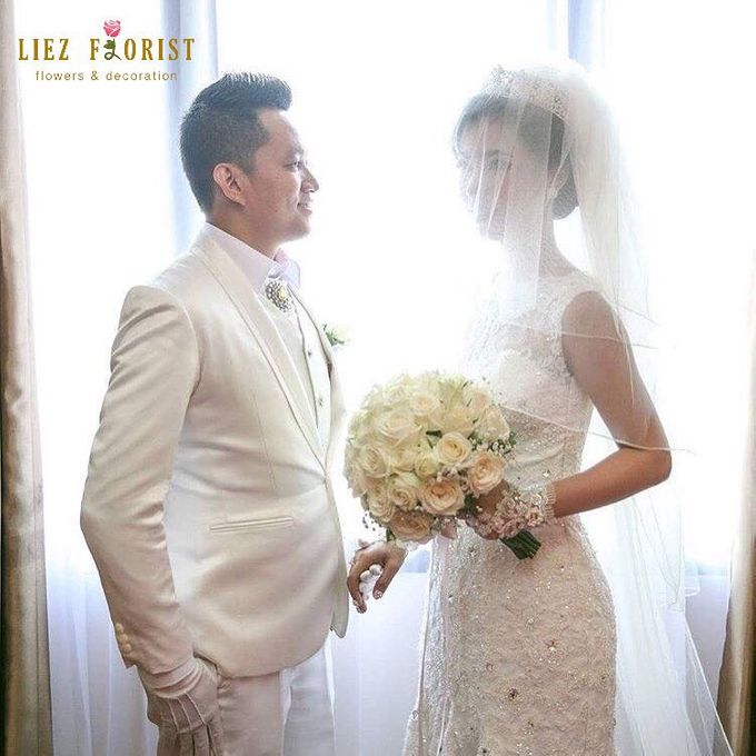 Wedding Hand Bouquets by Liez Florist & Decoration - 021